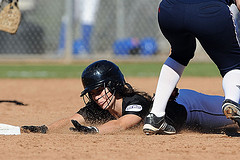 softball dive
